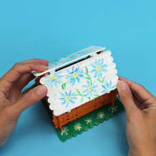 Kids arts and crafts activity