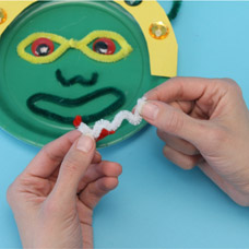 Wiggly Eye and Pipe Cleaner kids craft