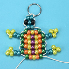 Instructions to make a turtle pony bead bead pet