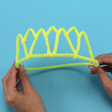 pipe cleaner tiara project