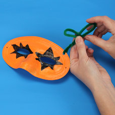 Decorate a Jack O' Lantern Mask