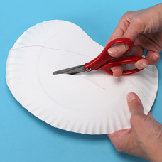 Recycle a paper plate for your craft