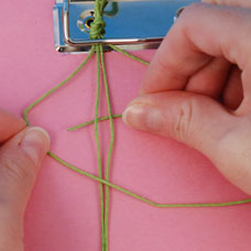 how to make a square knot friendship beacelet