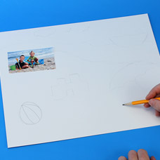Use a pencil to fill in the gaps of your summer memory photo