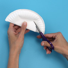 A tip to cut out the center of a paper plate